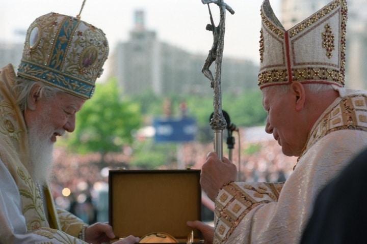 Chiesa cattolica e Romania: Francesco sulle orme di Giovanni Paolo II